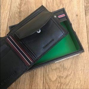 Tommy Hilfiger Bags - New Tommy Hilfiger Men's Black Leather Coin Wallet
